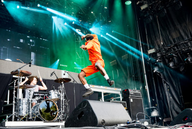 002-osheaga day 3-2017-ho99o9-photo susan moss